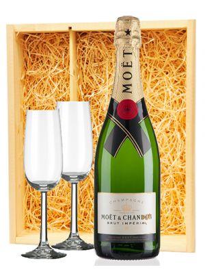 Moët & Chandon Champagne Brut + 2 flutes