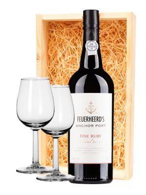 Feuerheerds Fine Ruby Port & 2 luxe portglazen